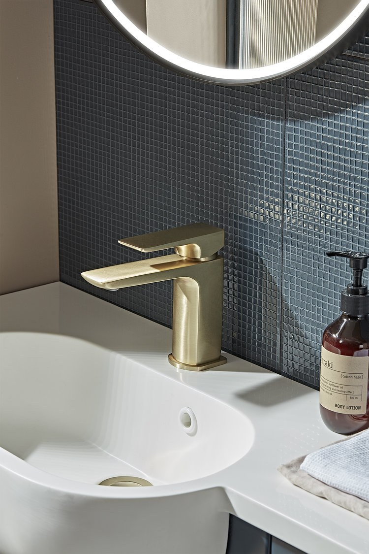 Elate Brass Tap Lifestyle T241104